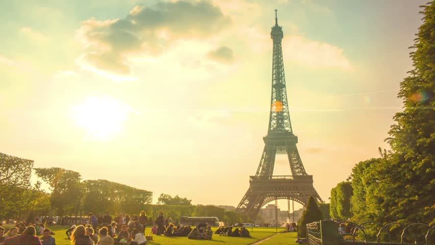 Paris timelapse with Eiffel Tower in June