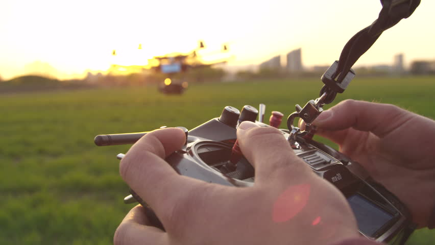 SLOW MOTION: Flying a multicopter with transmitter