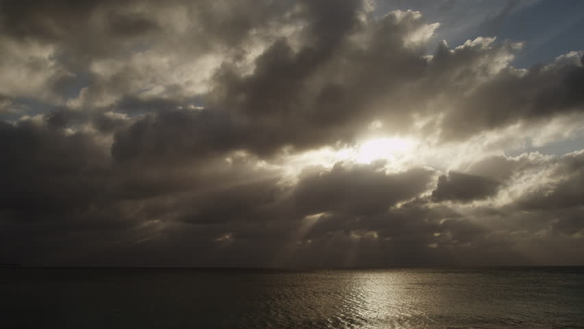 Grand Cayman, Dramatic sky over sea