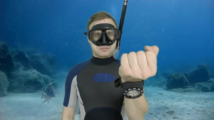 Diving sign- divemaster  shows sing  ASK QUASTIONS  ,also a available on the green screen all of diving sings from course (open water diver)  5   of 11