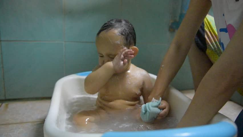 Wet Asian babe Jackie Lin stimulates and sucks dick in the bath № 291857 загрузить