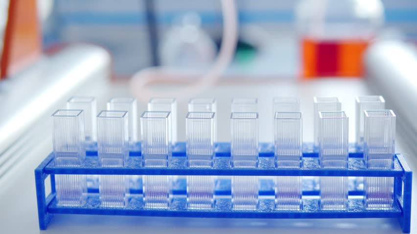 Automatic analysis of DNA for PCR machine process