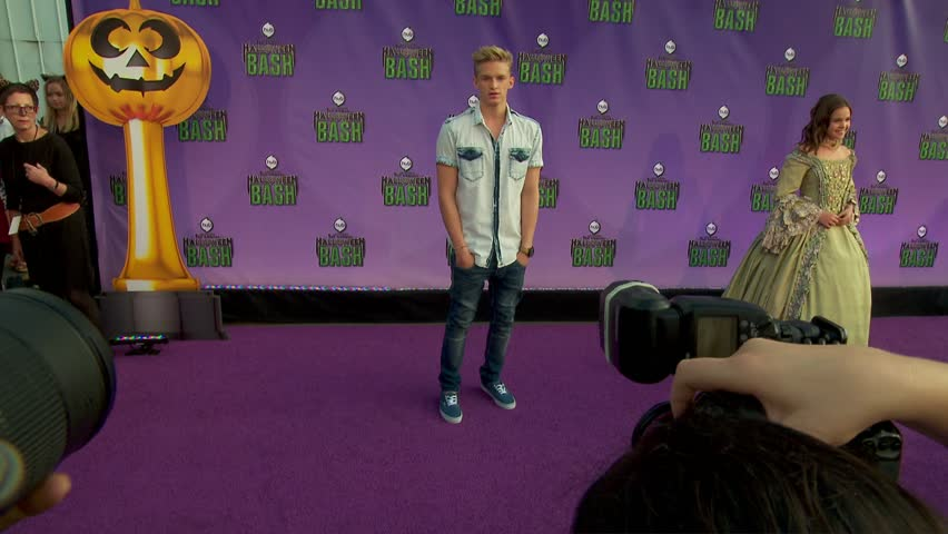santa monica ca october 202013 cody simpson at hub networks halloween - Halloween Actors 2017