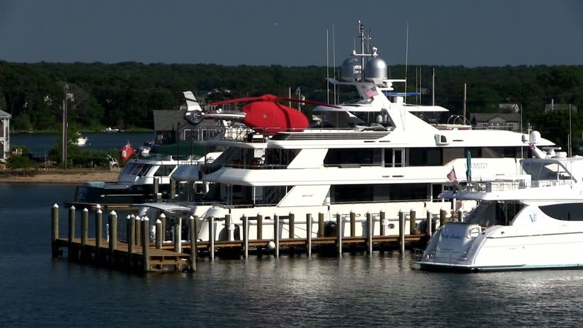 A Mega Yacht With Private Helicopter Parked At The Dock In Vineyard Haven On Marthas Stockvideos Filmmaterial 9917744